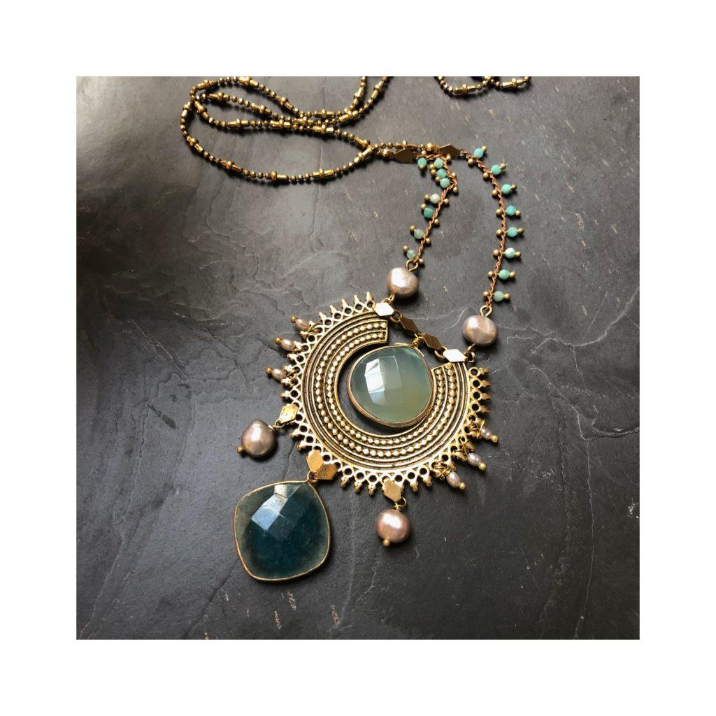 Collier amovible en laiton pierres semi précieuses et perles de culture artisanal paris